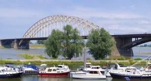 Bro för stålbåge Arkivfoton