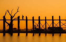 Bro för U Bein, Amarapura, Myanmar Royaltyfri Foto