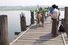 Bro för U Bein, Amarapura, Myanmar Royaltyfria Bilder