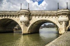 Bro flod Seine, Paris fotografering för bildbyråer