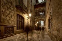 Bro i Barri Gotic Royaltyfria Bilder