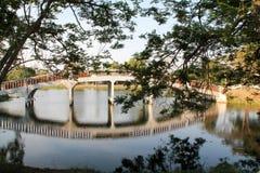 Bro i gammal stad av Ayutthaya Arkivfoton