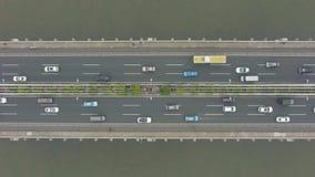 Bro i Guangzhou stads- och biltrafik Guangdong Kina Flyg- vertikal ?verkant-nersikt arkivfilmer