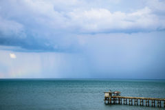 Bro i havet royaltyfri fotografi