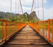Bro i Vang Vieng Royaltyfria Bilder