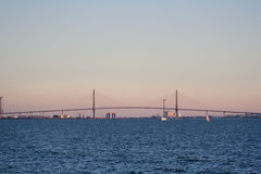 bro long mycket Arkivfoto