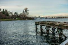 Bro 520 med Pier Near Seattle Royaltyfri Bild