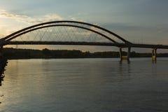 bro mississippi över floden Arkivfoton
