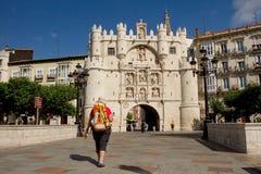 Bro och båge av Santa Maria, Burgos spain Arkivbild