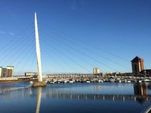 Bro och fartyg Royaltyfri Bild