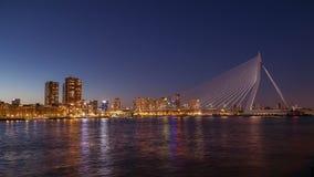 Bro och horisont på natten stock video