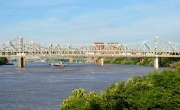 bro ohio över floden Royaltyfri Foto
