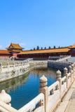 Bro på den guld- floden i Forbiddenet City royaltyfri bild