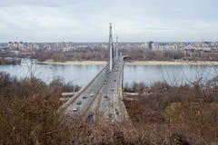 Bro på Donau Arkivfoton