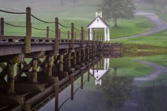 Bro på en golfbana Royaltyfria Foton