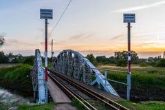 Bro på floden Ner, Polen Arkivbild