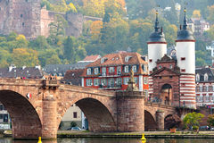 Bro på heidelberg, Tyskland arkivbilder