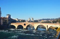 Bro på River Adige i Verona, Italien Fotografering för Bildbyråer