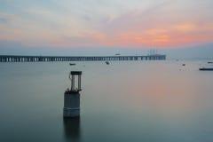 Bro på skymningtid Arkivbild