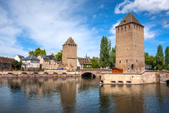 Bro Ponts Couverts i Petite France, Strasbourg Royaltyfri Bild