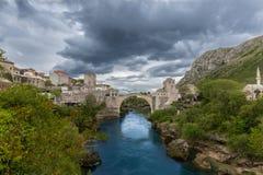 Bro Stari mest i Mostar Arkivfoto