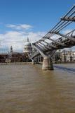 Bro till St Pauls Arkivbilder
