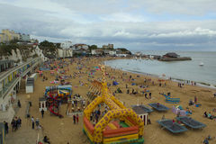 Broadstairs海滩前在夏天,肯特英国 免版税图库摄影