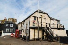 Broadstairs, офис мастера гавани с подставным лицом Scotsman Стоковая Фотография