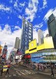 Broadway aglomerado e 7a avenida no Times Square Fotografia de Stock