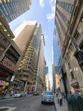 Broadway en el distrito financiero en New York City fotografía de archivo libre de regalías