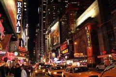 Broadway na noite Imagem de Stock