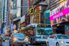 Broadway teatru Manhattan punkt?w zwrotnych Miasto Nowy Jork Gromadzki usa fotografia royalty free