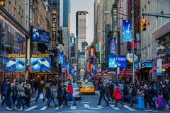 Broadway teatru Manhattan punkt?w zwrotnych Miasto Nowy Jork Gromadzki usa zdjęcia royalty free