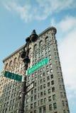 Broadway unterzeichnen herein New York City, USA Lizenzfreie Stockbilder