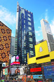 Broadwaywolkenkrabbers in Times Square Royalty-vrije Stock Foto's