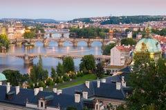 broar över den prague floden Royaltyfria Bilder