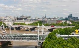 Broar över flodThemsen, London, England Fotografering för Bildbyråer