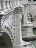 broar över roman tiber arkivfoto