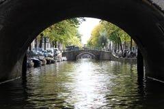 Broar av Amsterdam kanaler Arkivfoto