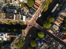 Broar av Amsterdam, sikt från över Arkivfoton
