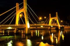 Broar av den Phan Thiet staden. Lågvatten. Royaltyfri Bild