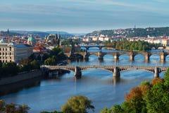 Broar av Prague över den VLtava floden Royaltyfri Fotografi
