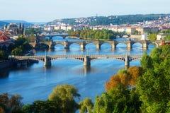 Broar av Prague över den VLtava floden Royaltyfria Foton