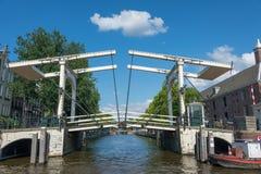 Broar i Amsterdam Royaltyfria Bilder