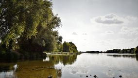 Broar och Loiret River fotografering för bildbyråer