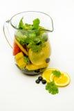 Broc de l'eau infusé avec le fruit Images stock