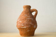 Broc en céramique fait par un enfant Photo libre de droits