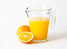Broc rempli de jus d'orange Image stock