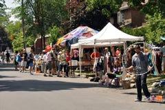 Brocante à domicile de Glebe à Ottawa Images stock