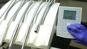 Brocas dentais e instrumentos colocados filme